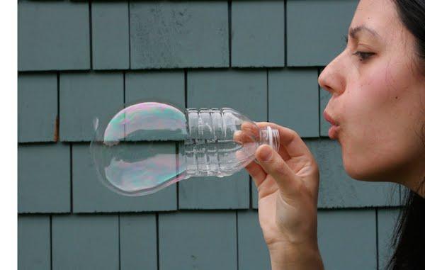 bolha de sabão com garrafa