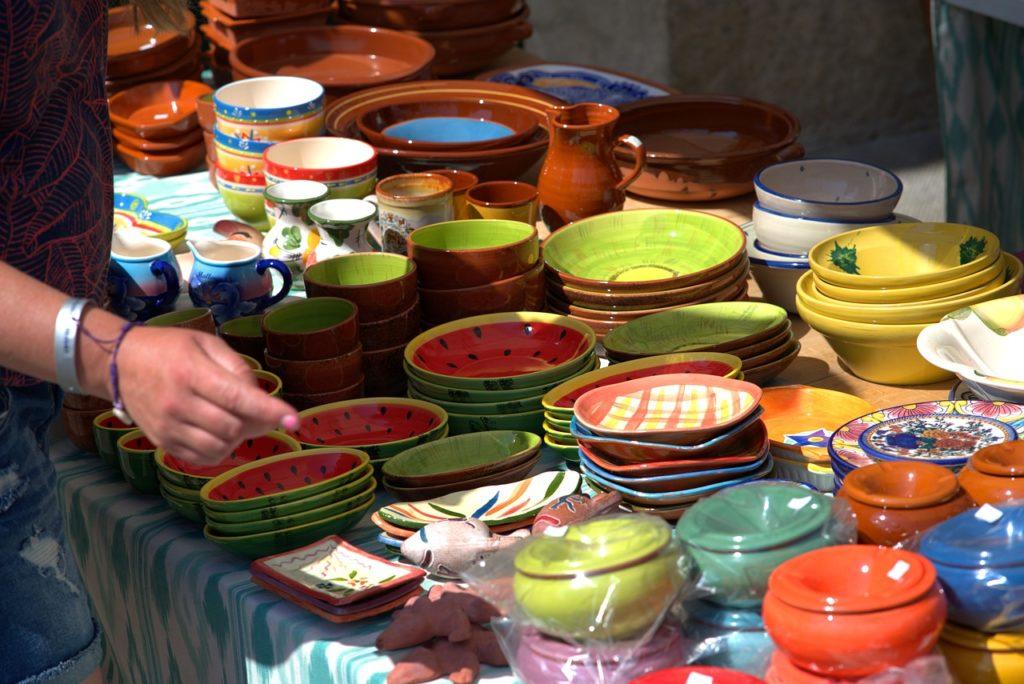 vendendo artesanato em feiras